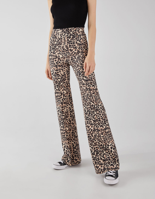 074886aace14 Flared leopard print trousers - Wide Leg - Bershka Georgia