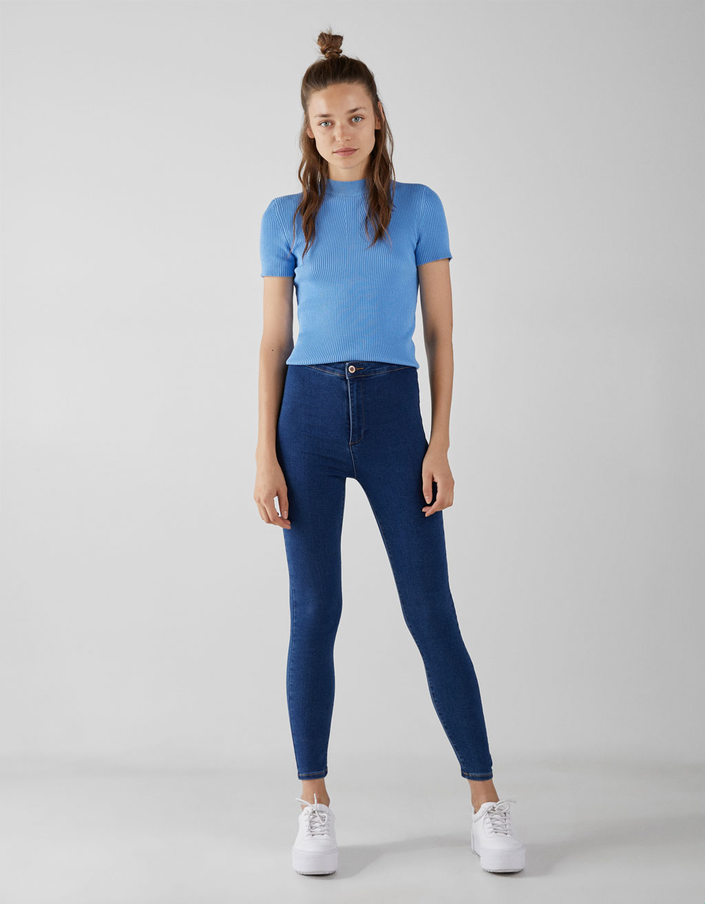 Højtaljede denimjeggings