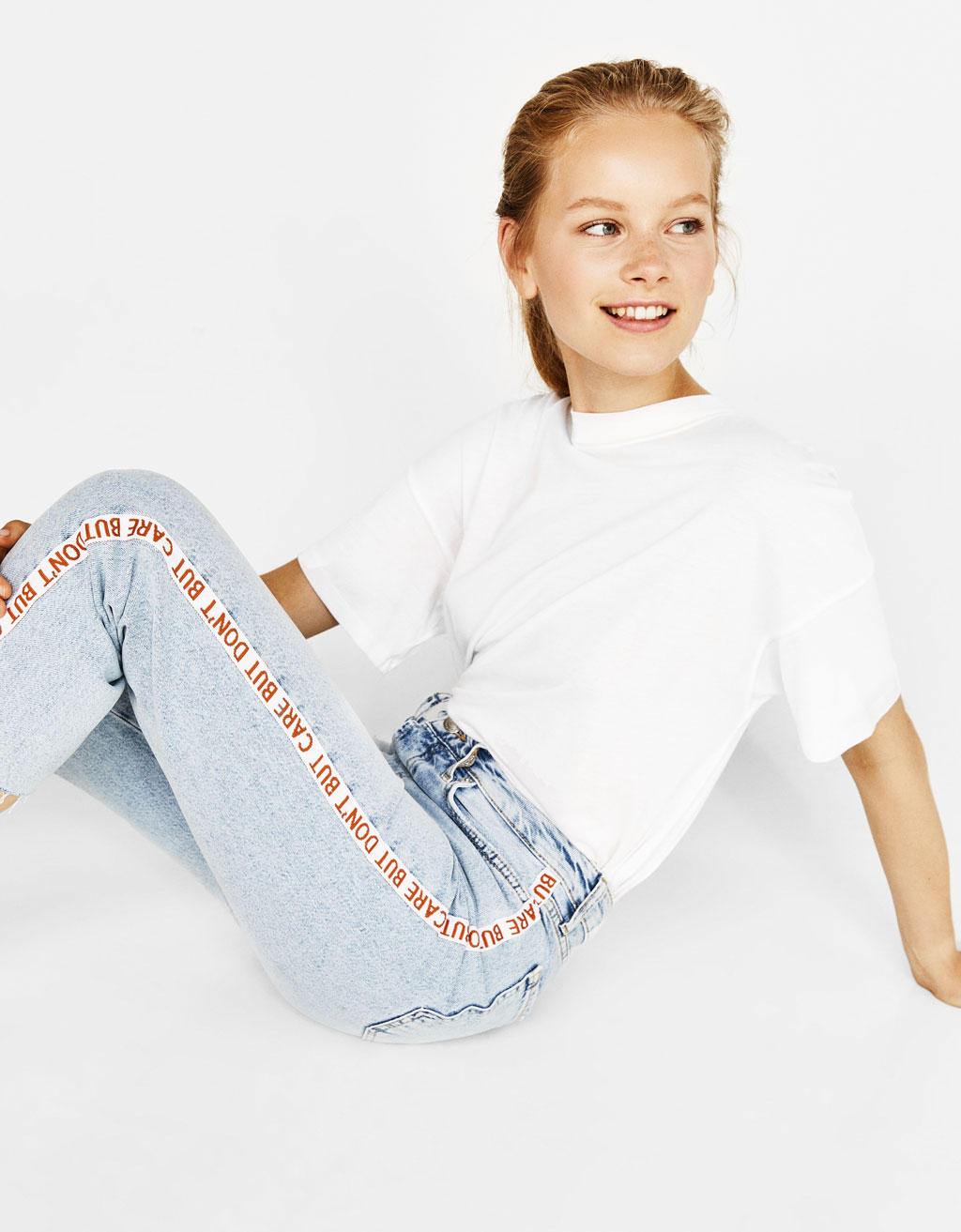 Cropped jeans med straight fit og high waist