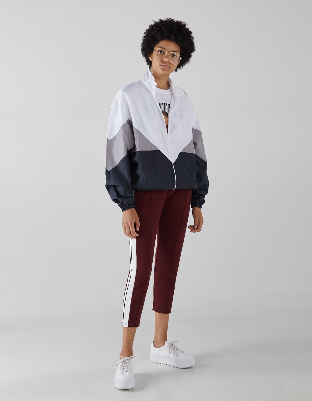 Jogging trousers with side stripe