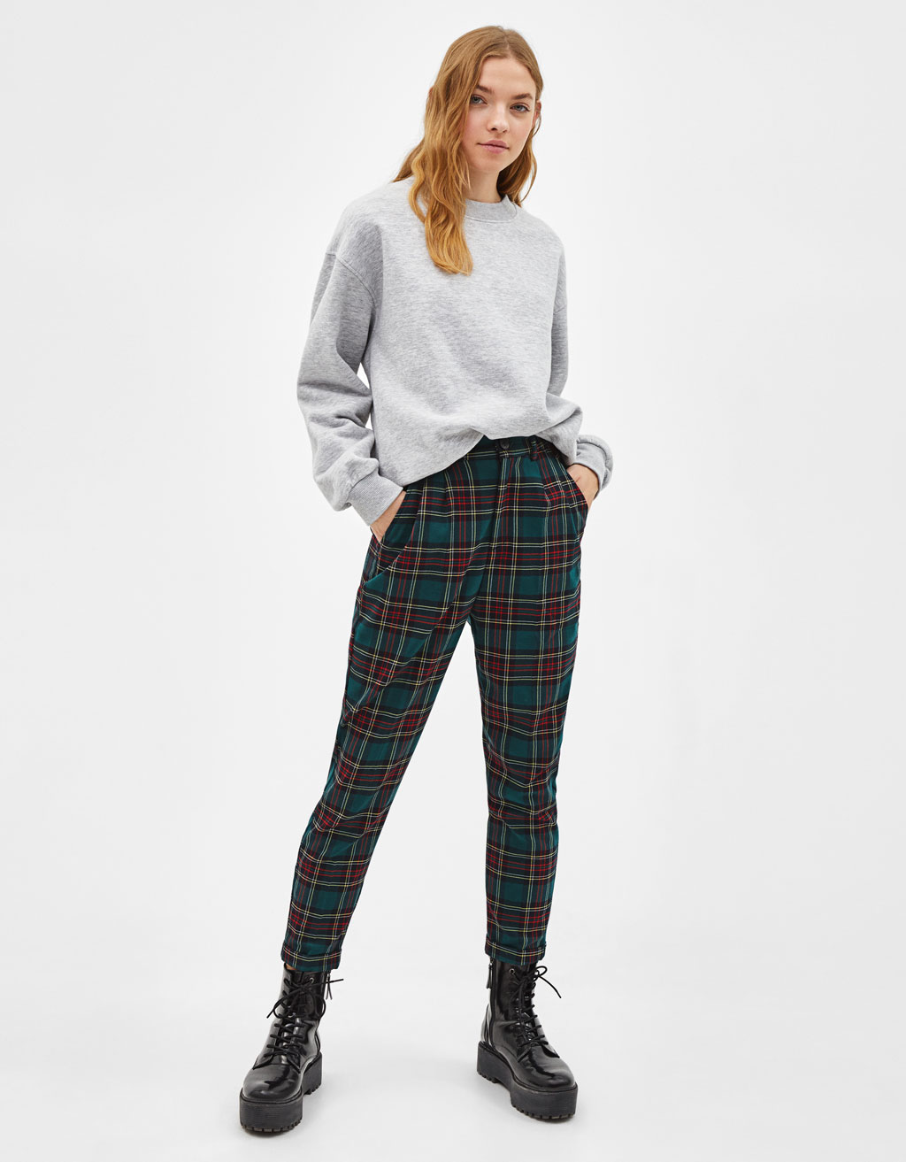 Darted jogging trousers