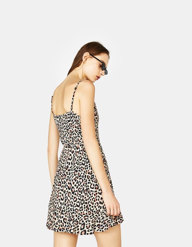 Kleid mit Trägern und Zierknoten