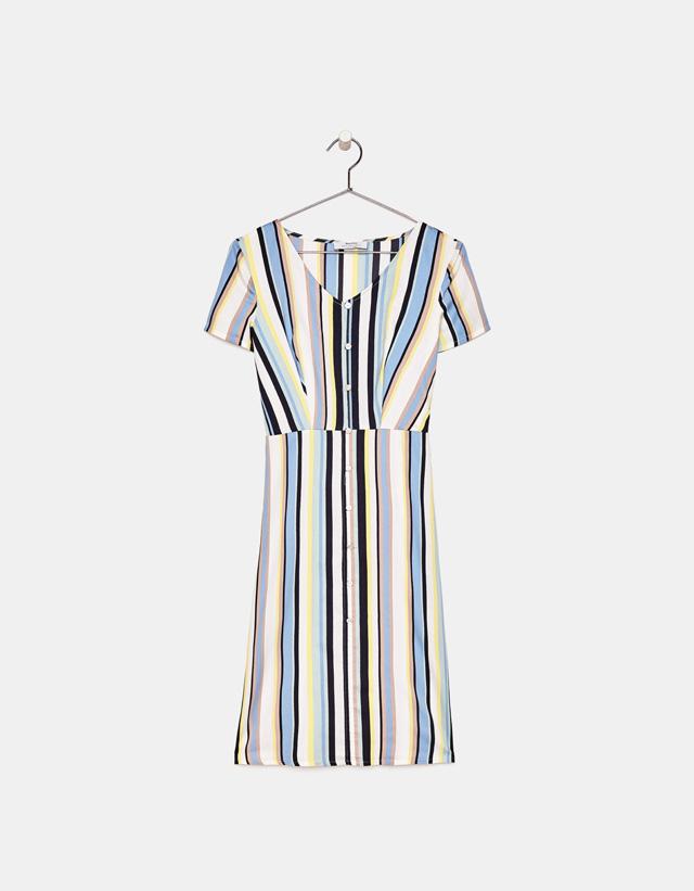 Langes Kleid mit Knöpfen