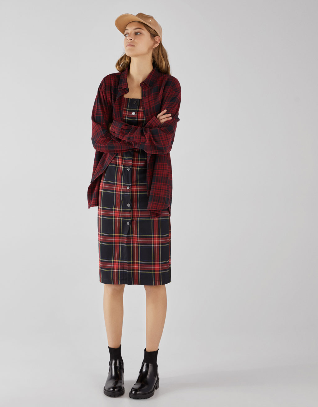 Plaid dress with buttons