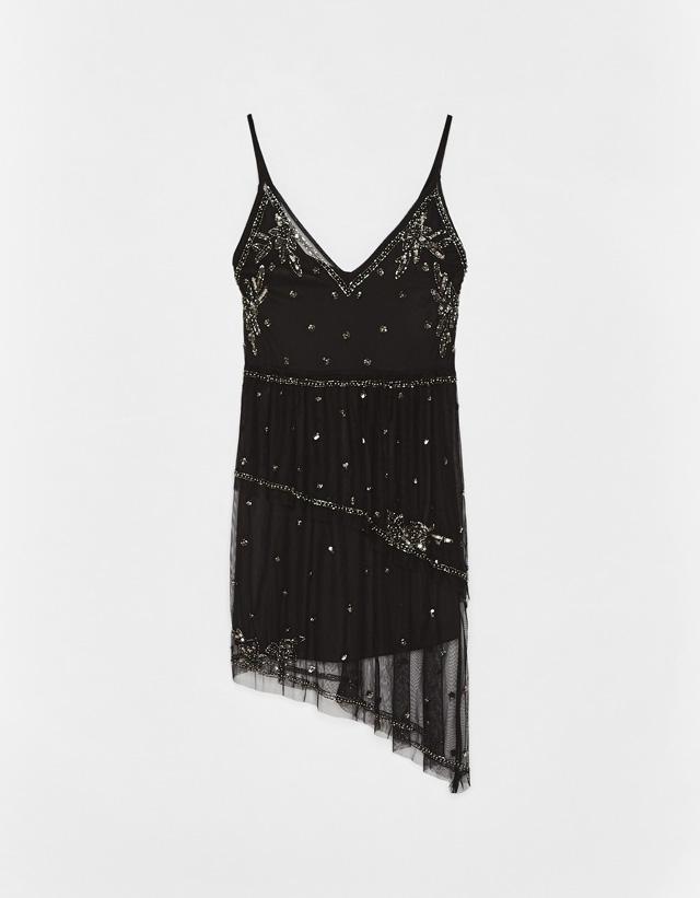 Kurzes Kleid mit Stickerei und Pailletten