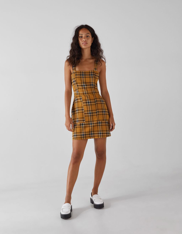 Rūtaina sarafāna tipa kleita