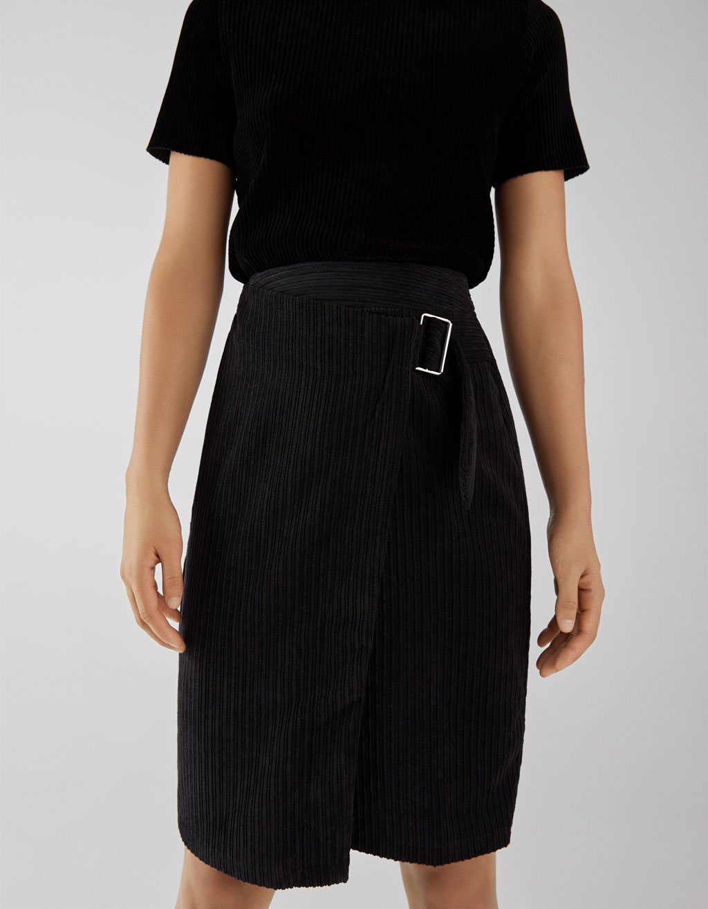 fa64a7cd41 Corduroy wrap skirt - Midi - Bershka Georgia
