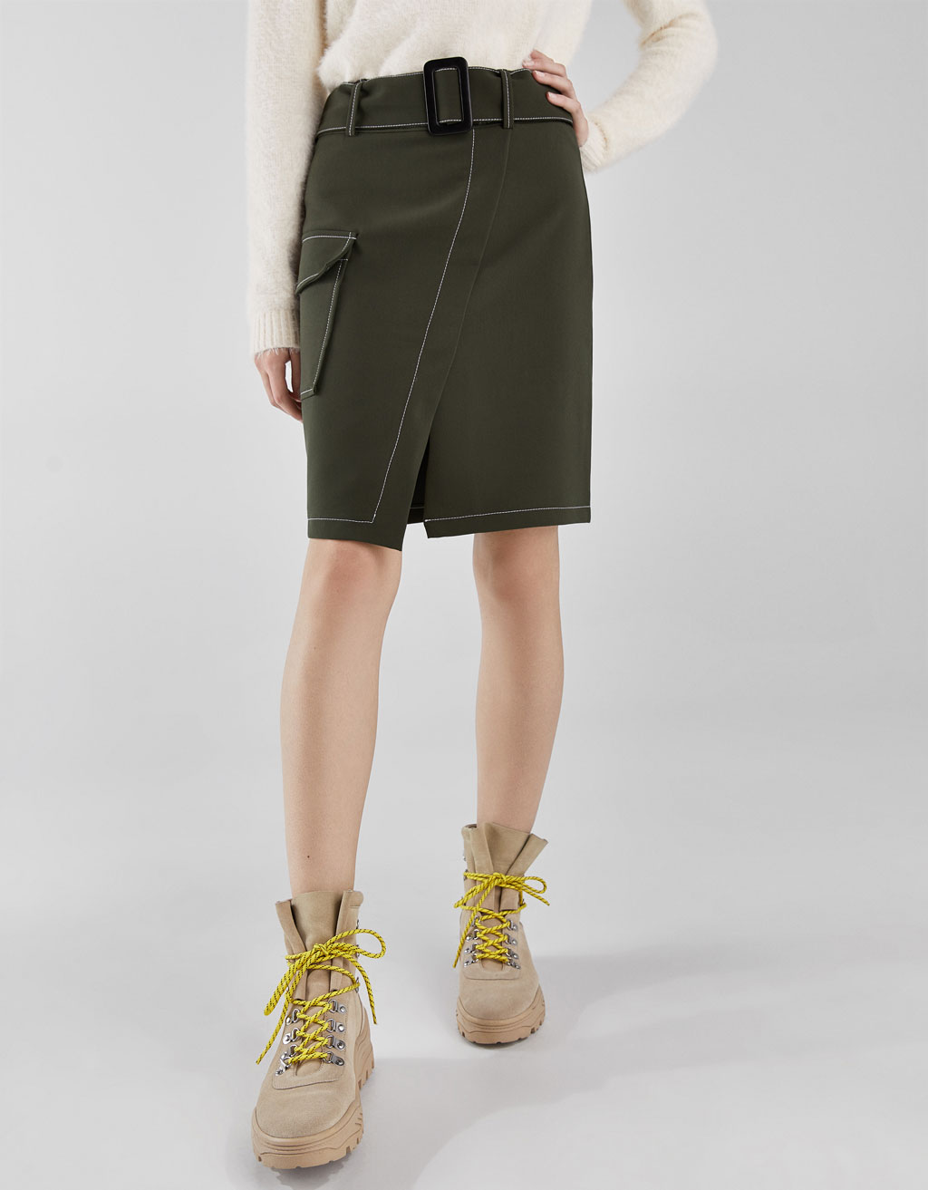 Wrap skirt with buckle