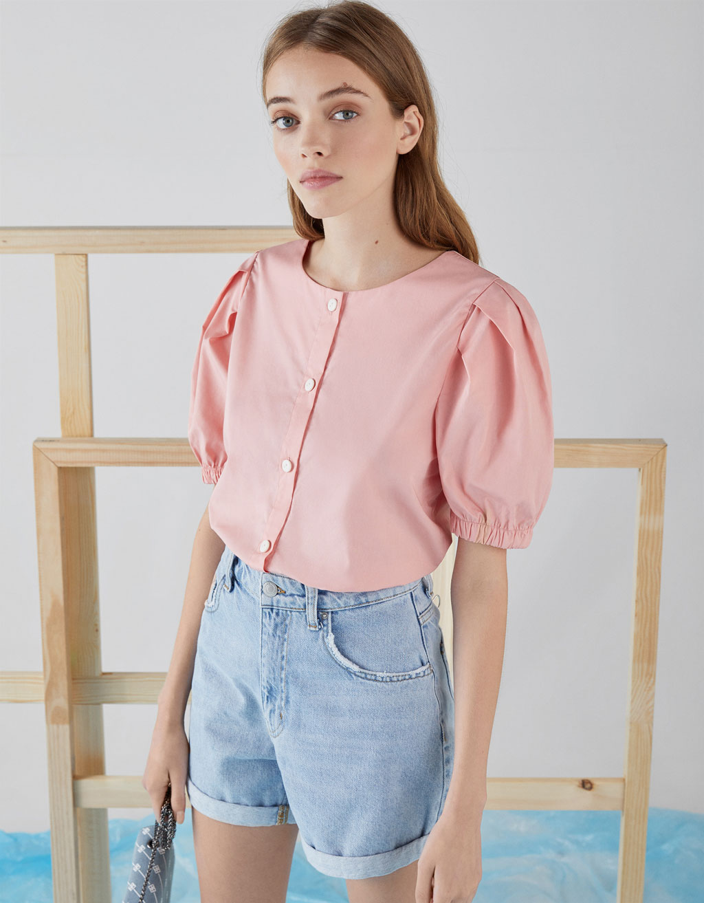 Puff sleeve shirt