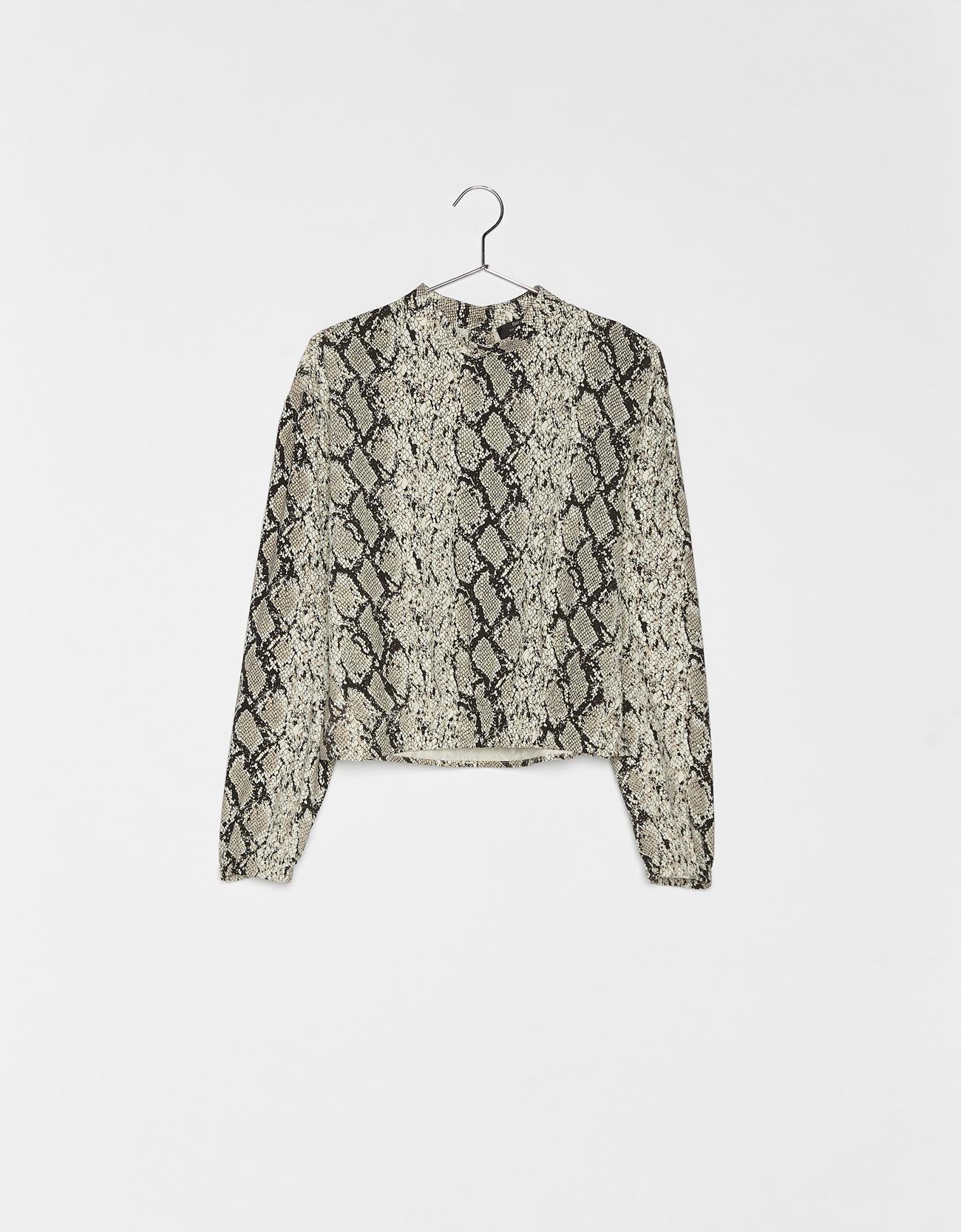 64cfd76e39 Snakeskin print blouse - New - Bershka Greece