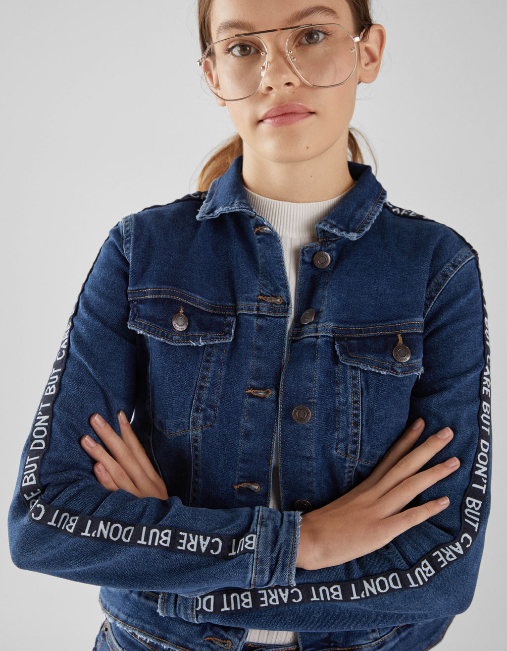 Denim jacket with side taping