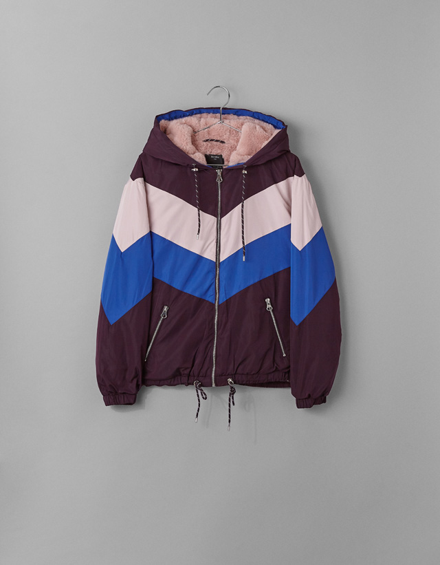 Dreifarbige Jacke mit Kunstfellfutter