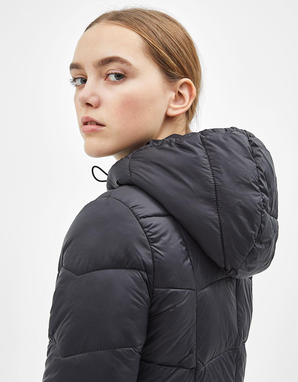 Tenká prešívaná bunda s kapucňou