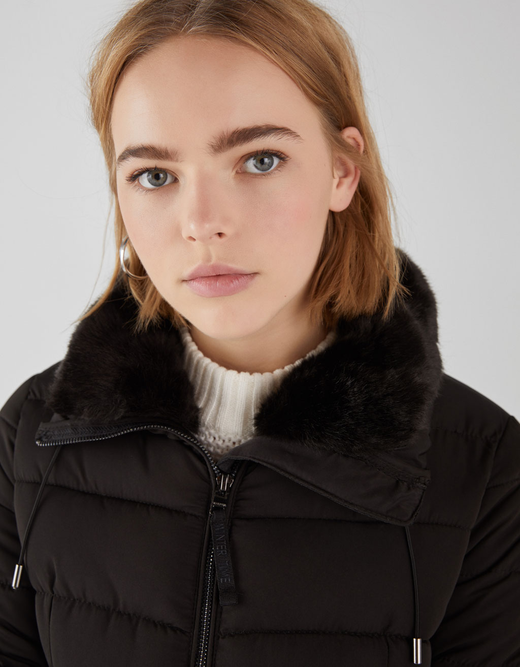 Puffer jacket with fuzzy collar