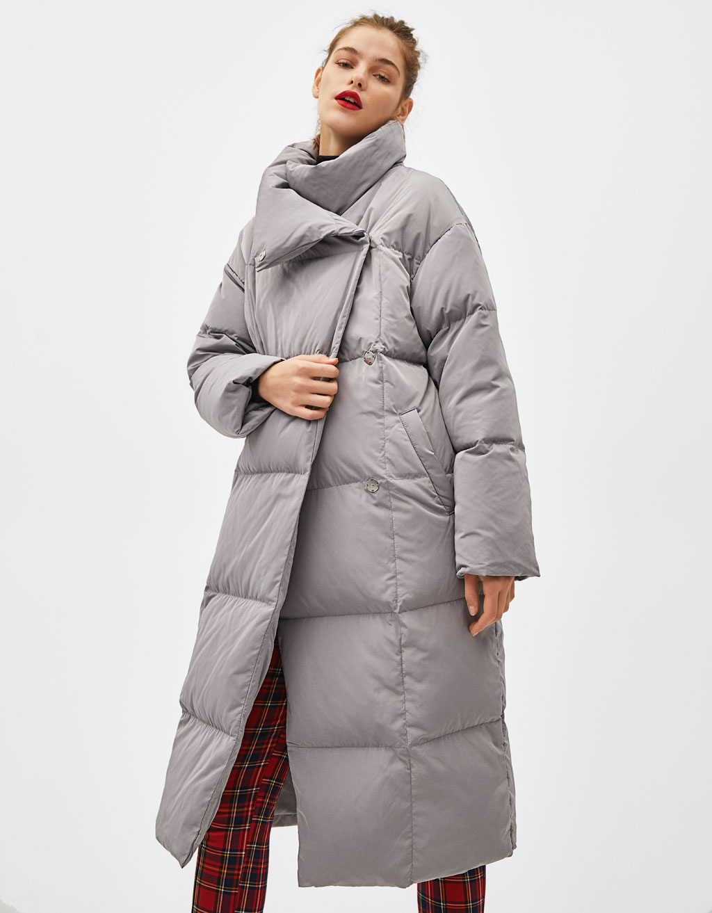 Long puffer coat with feather filling