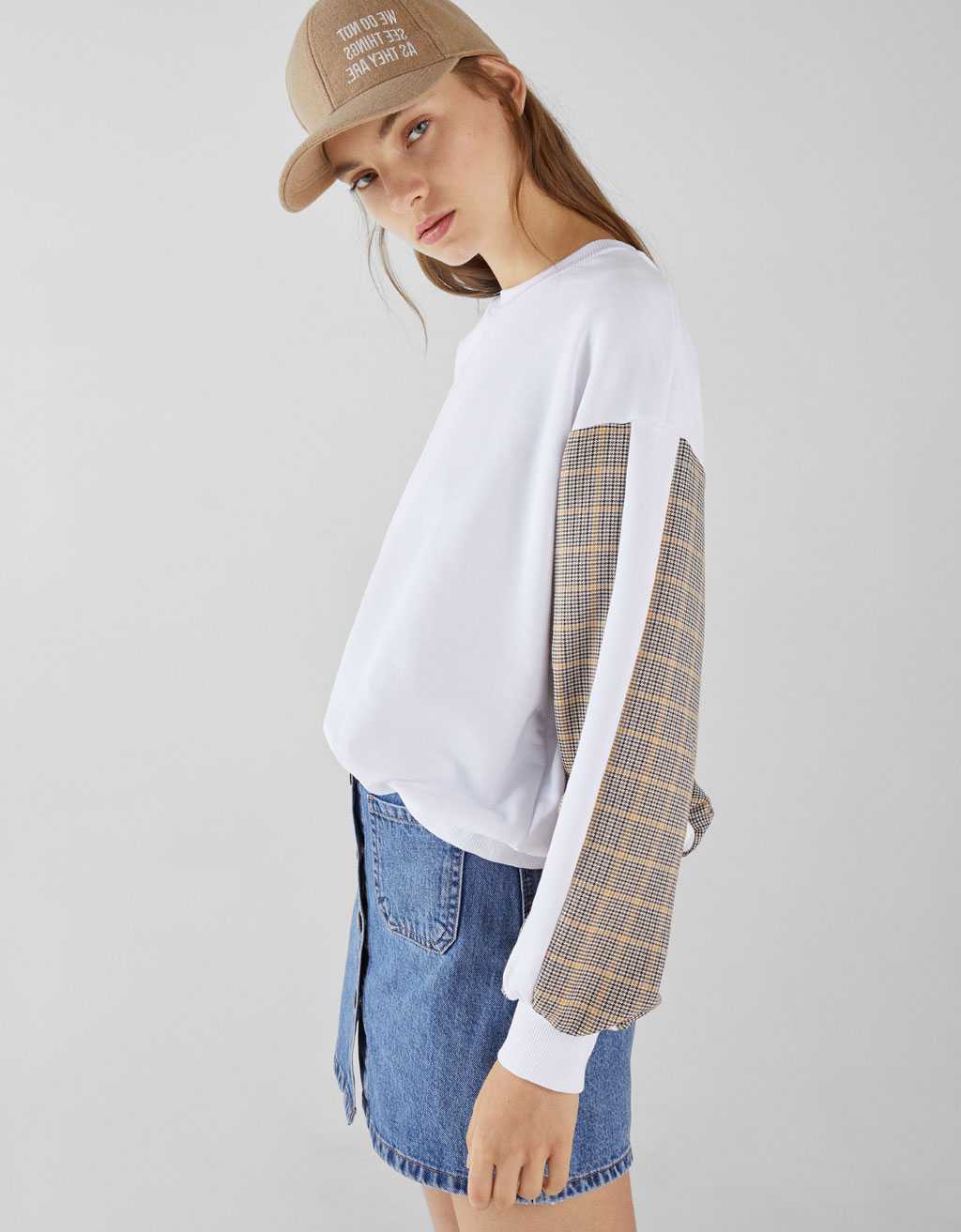 Contrast checked sweatshirt