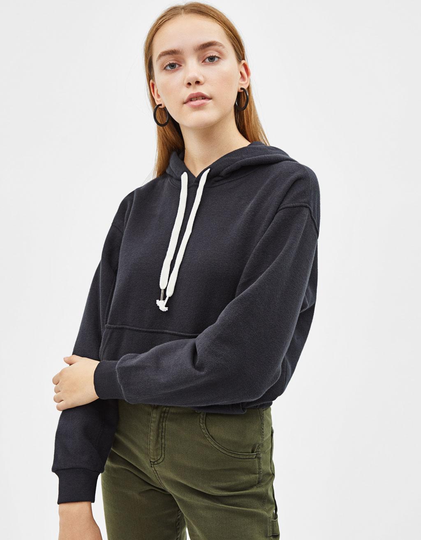 Sportisks džemperis ar kapuci
