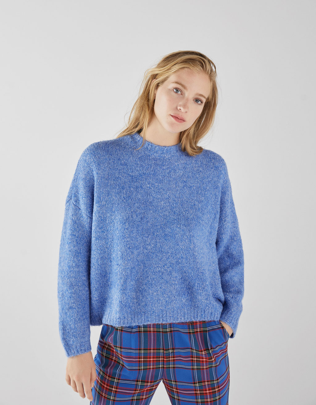Cropped long sleeved jumper