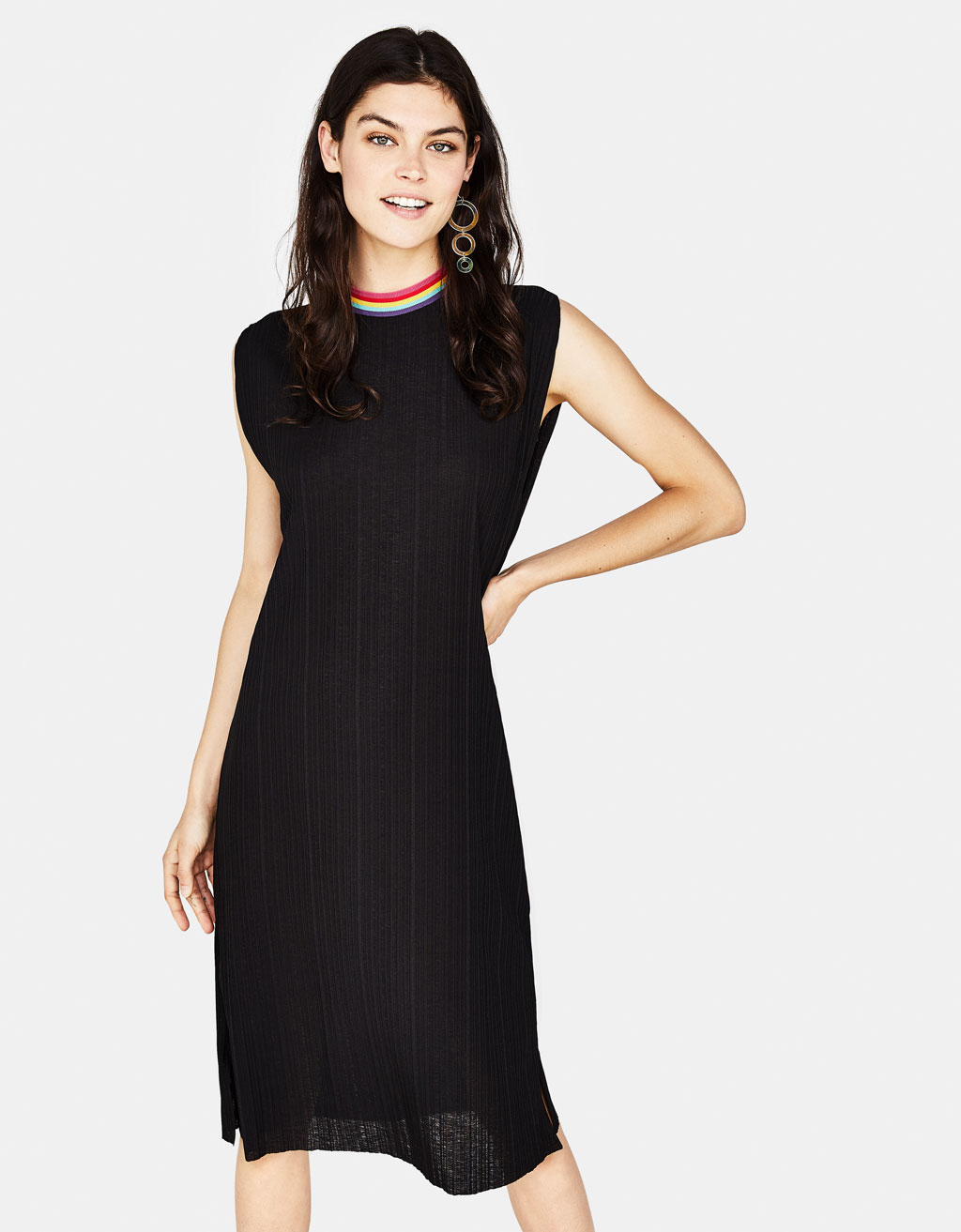 Long dress with ribbed neckline