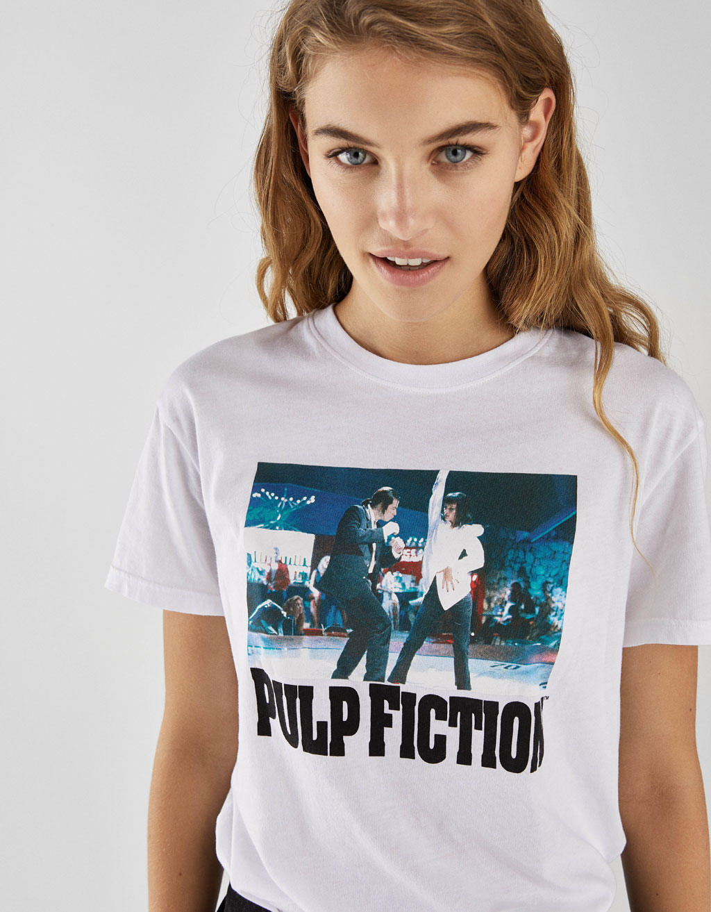 Футболка с надписью Pulp Fiction