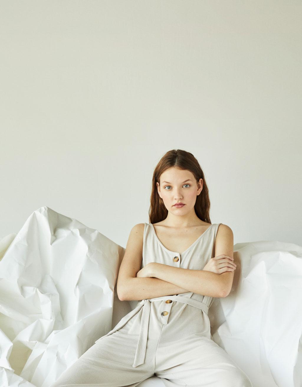 Pikk nööpidega pükskostüüm