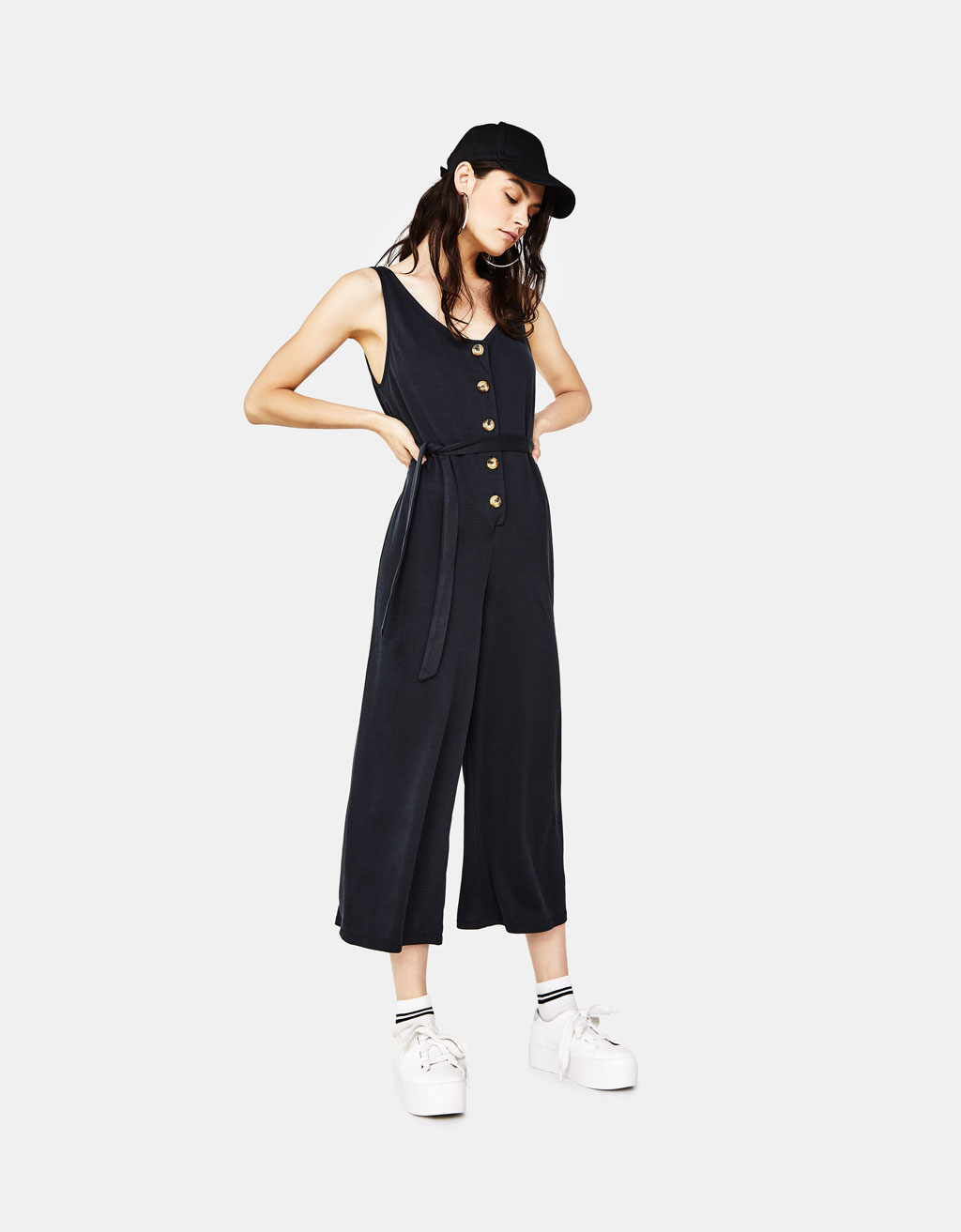 Long jumpsuit with buttons
