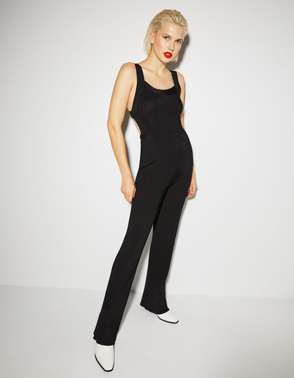Long jumpsuit with tie detail