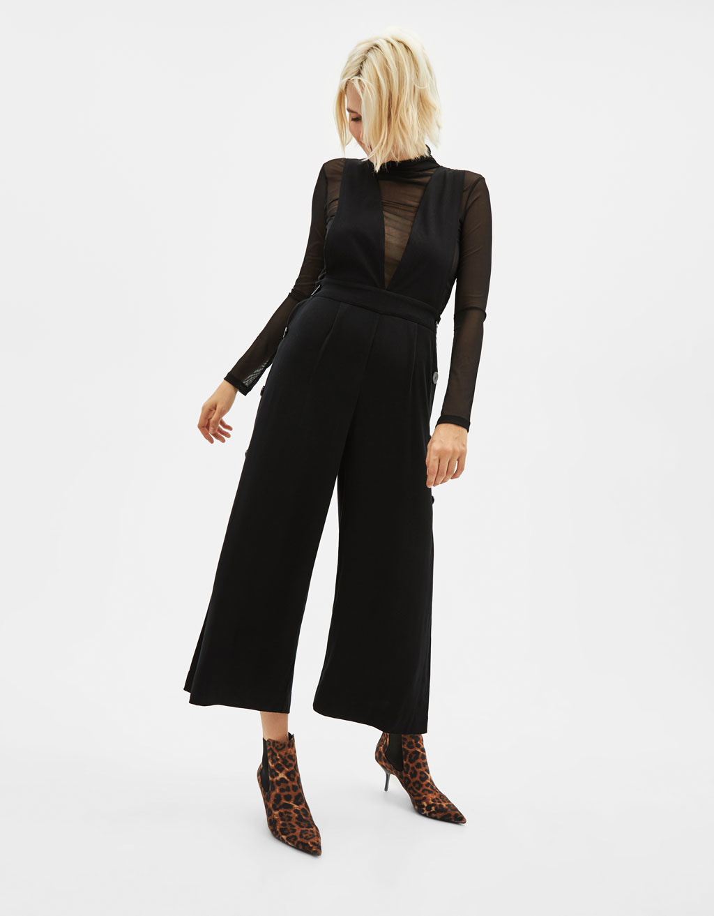 Jumpsuit with side slits and buttons