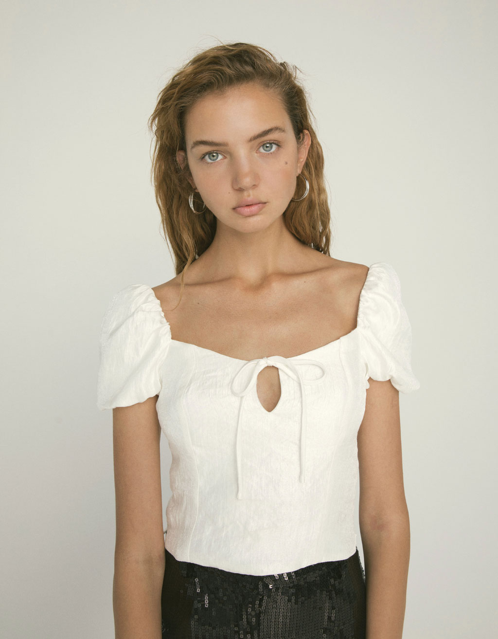 Blouse with puffy sleeves