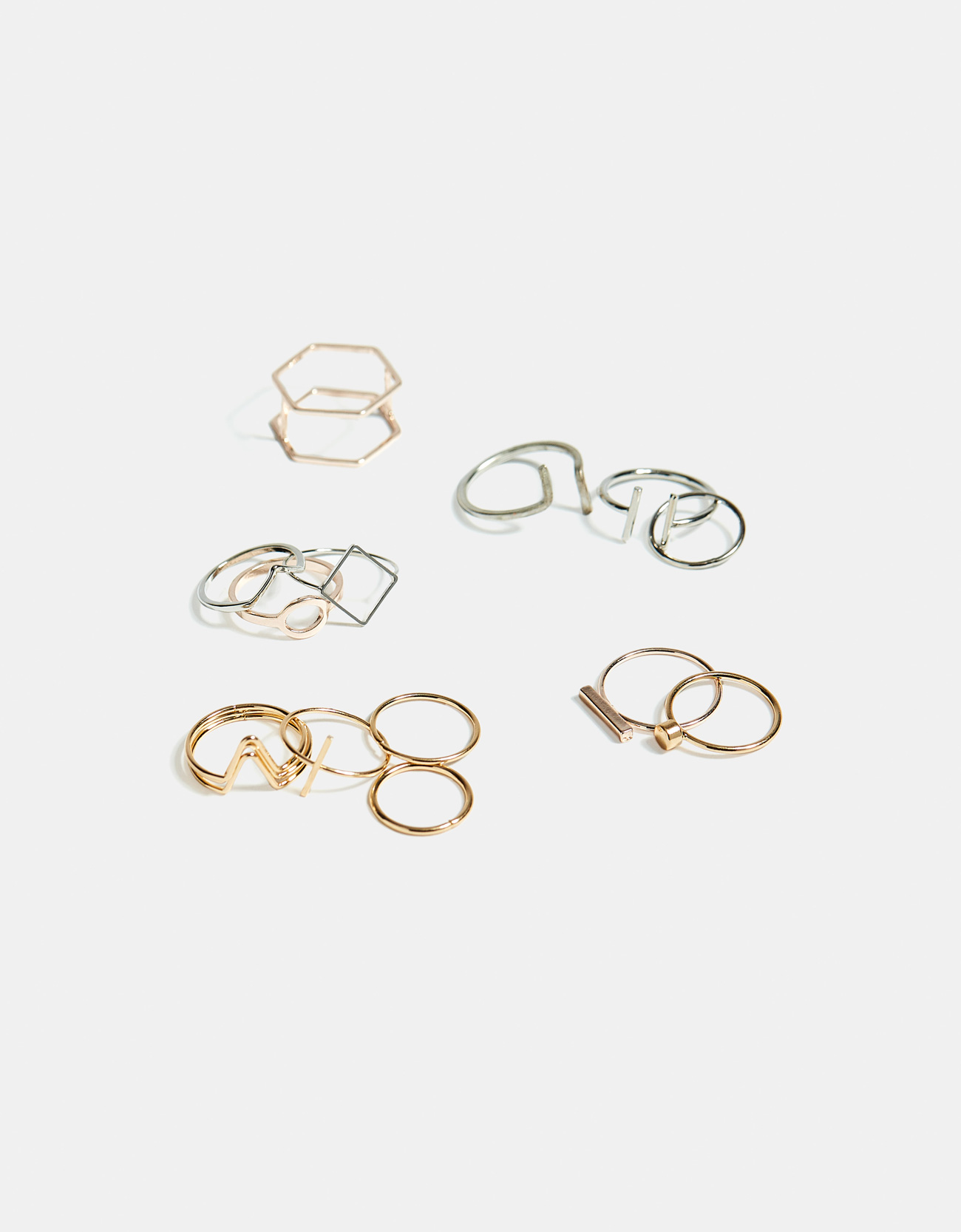 8c2b5be0770a Bershka Set de anillos finos a 7.99€