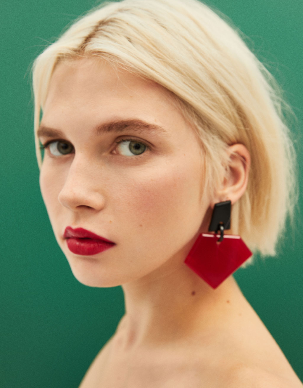 Contrast earrings