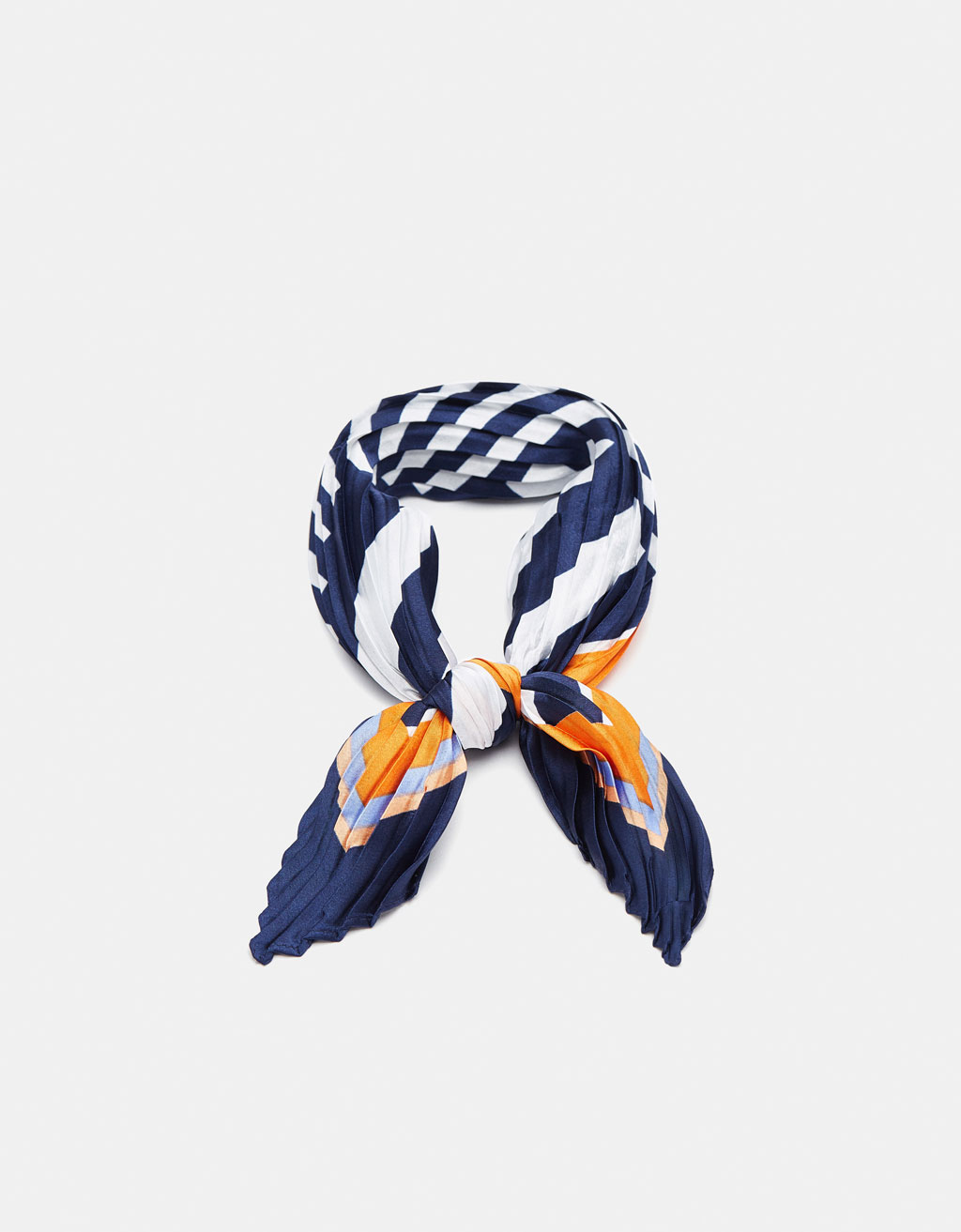 Striped pleated neckerchief