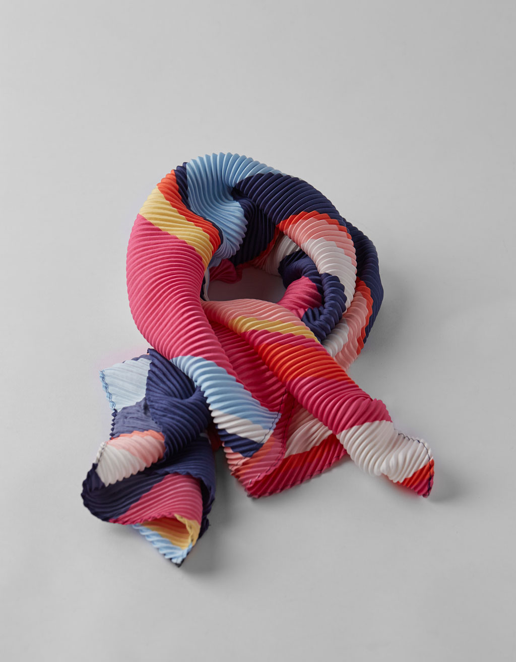 Pleated striped scarf