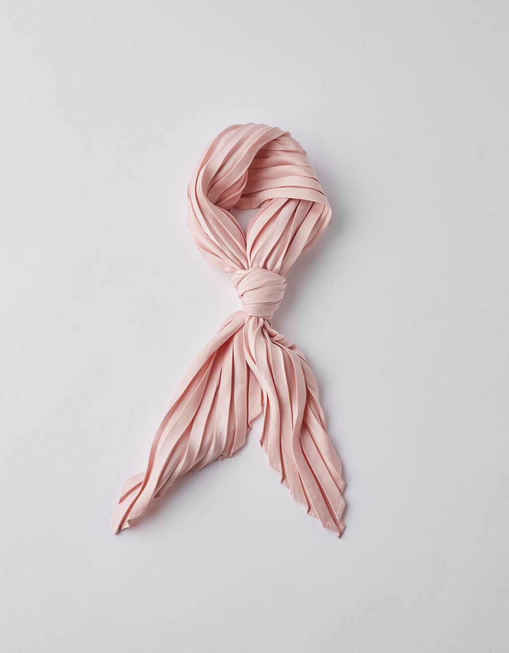 Solid pleated neckerchief
