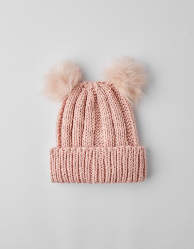 Mütze mit Pompon