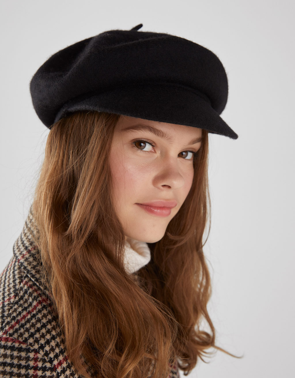 Woolly fabric beret