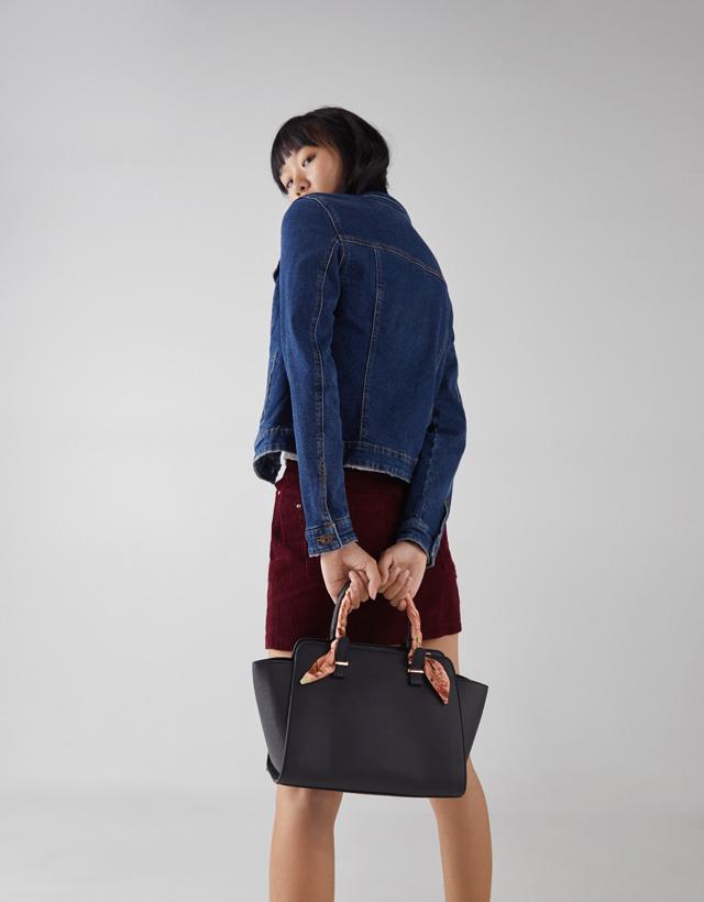 Shopper mit Halstuch