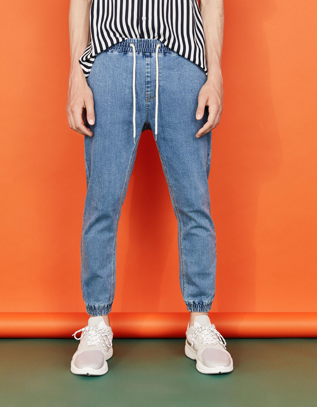 Pantalon denim jogger