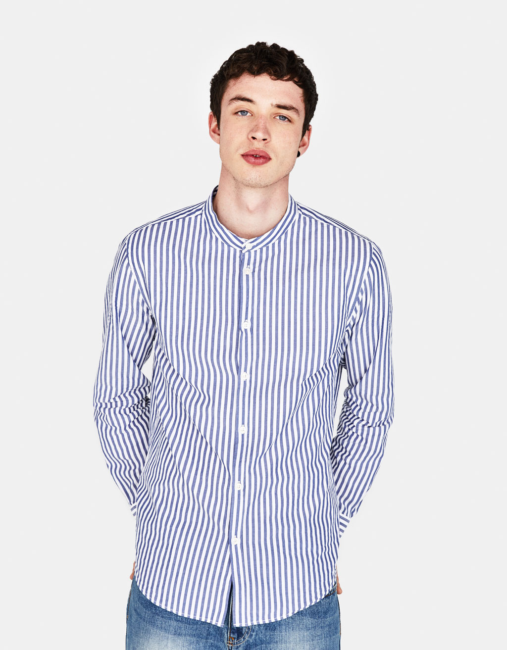 Shirt with stand-up collar