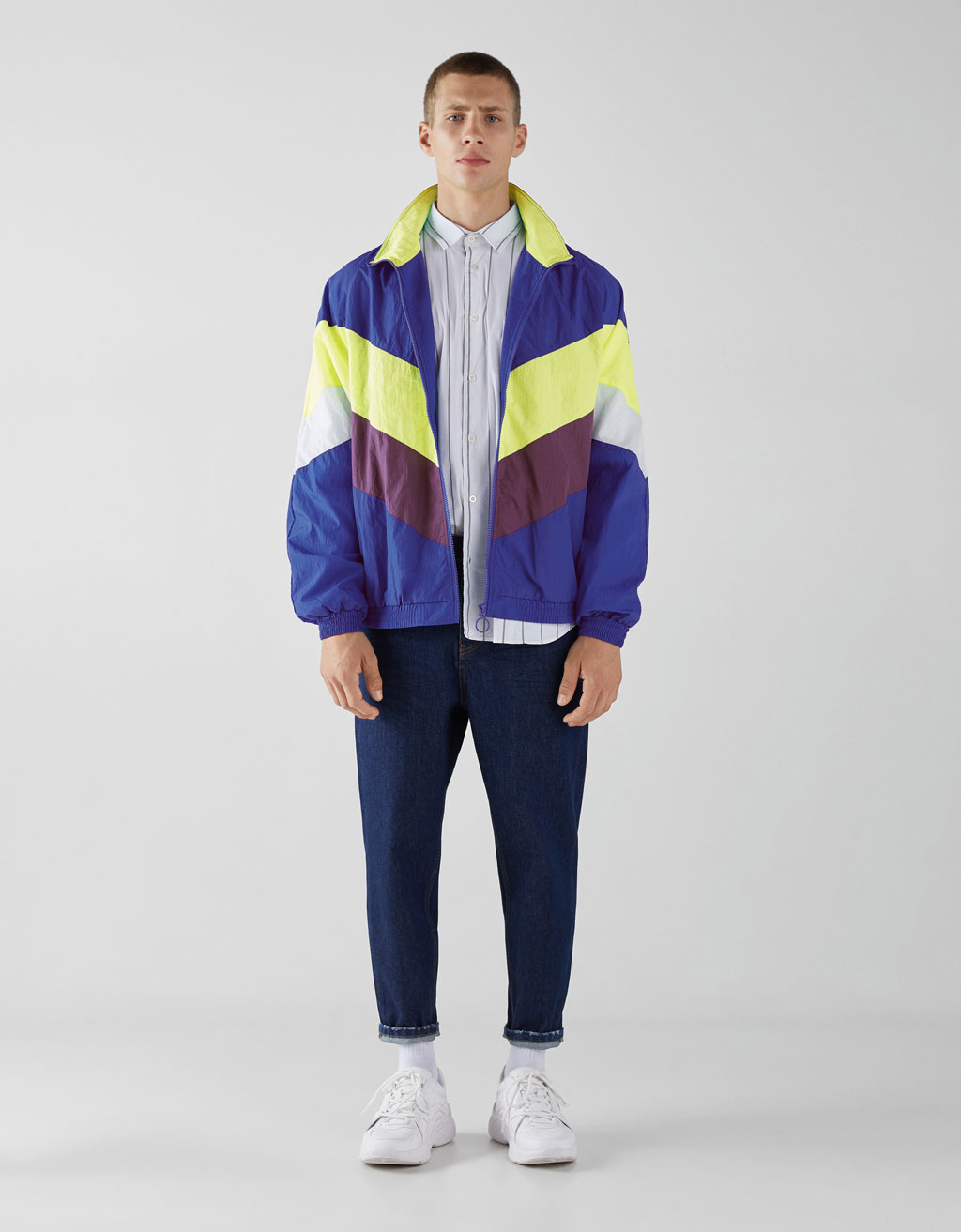 Lightweight jacket with zip