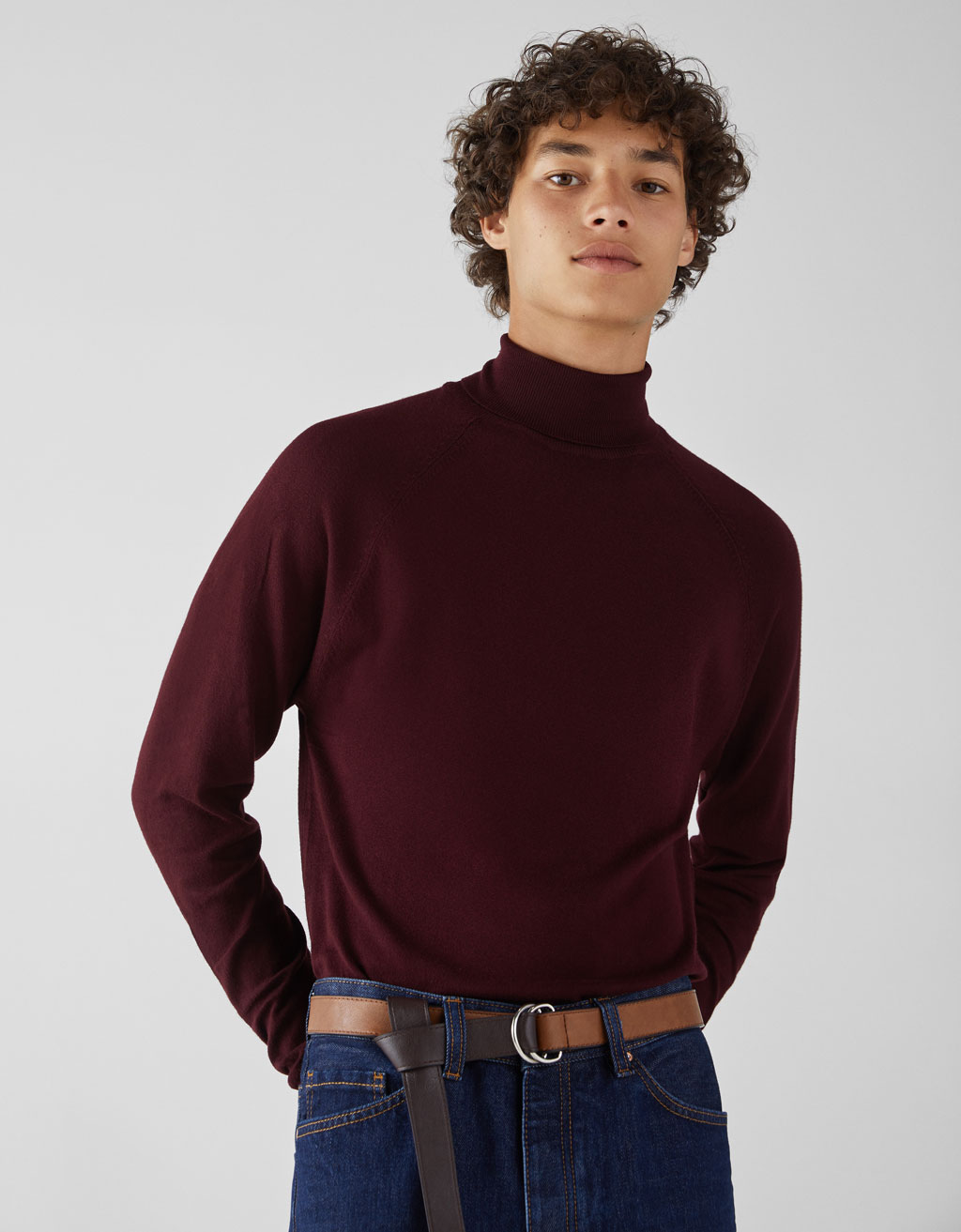 Fine high necked jumper
