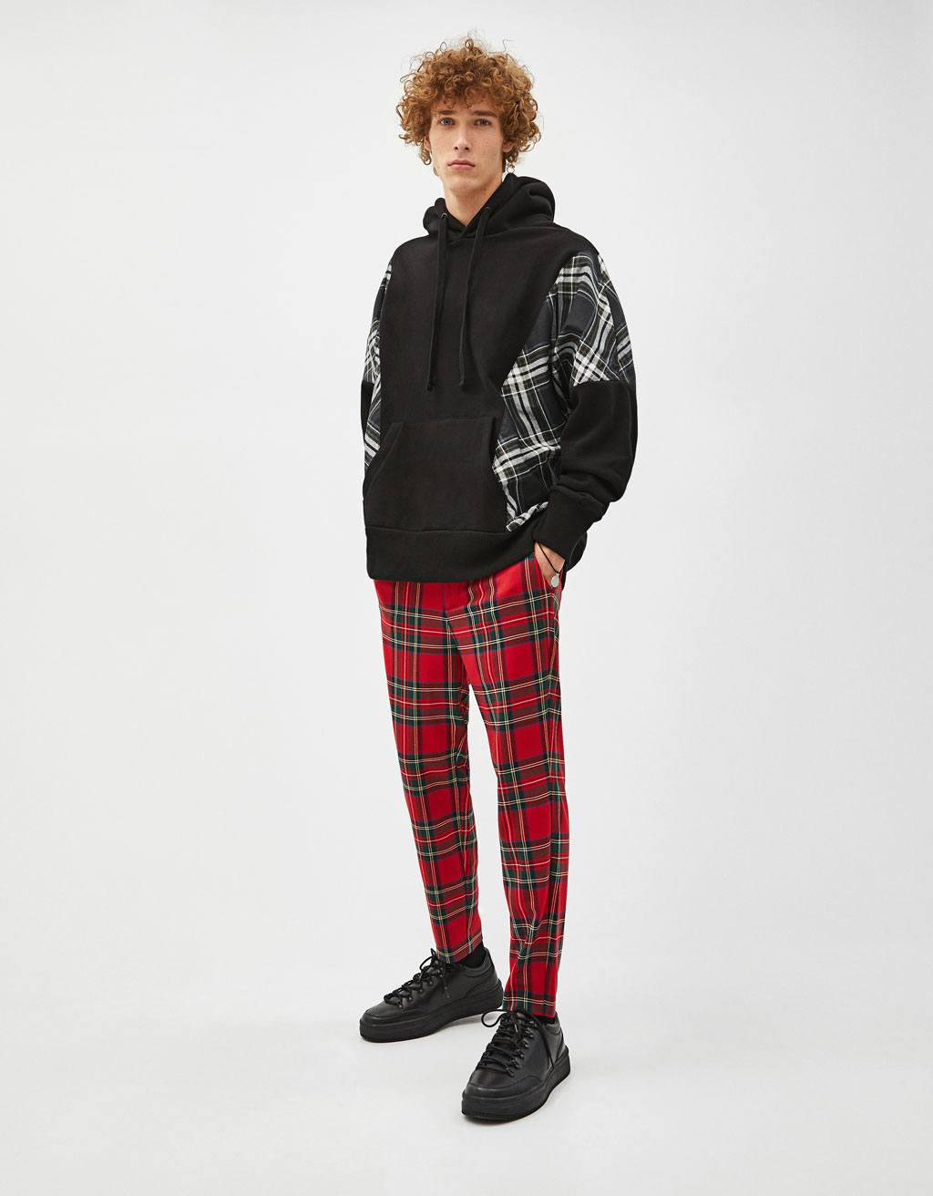 Sweatshirt with check panel