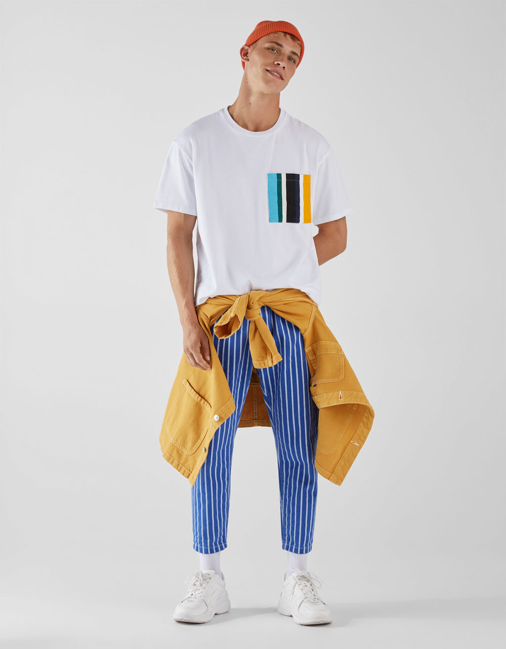 T-shirt with coloured pocket