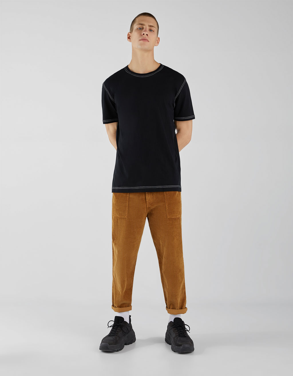 Camiseta con hilo contraste
