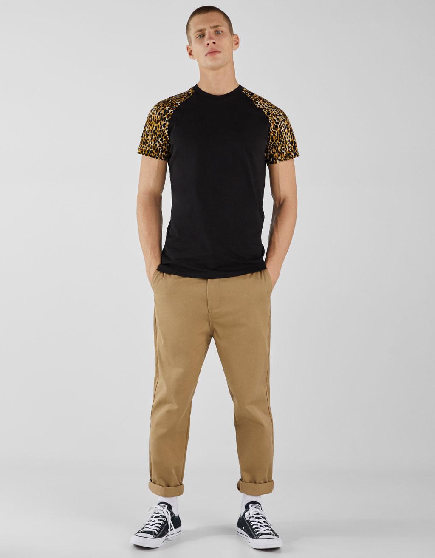 Maglietta maniche raglan con stampa leopardo