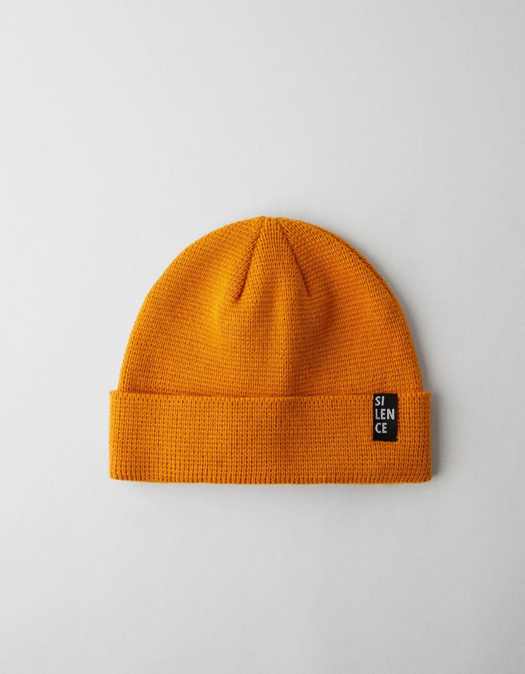 Beanie with label