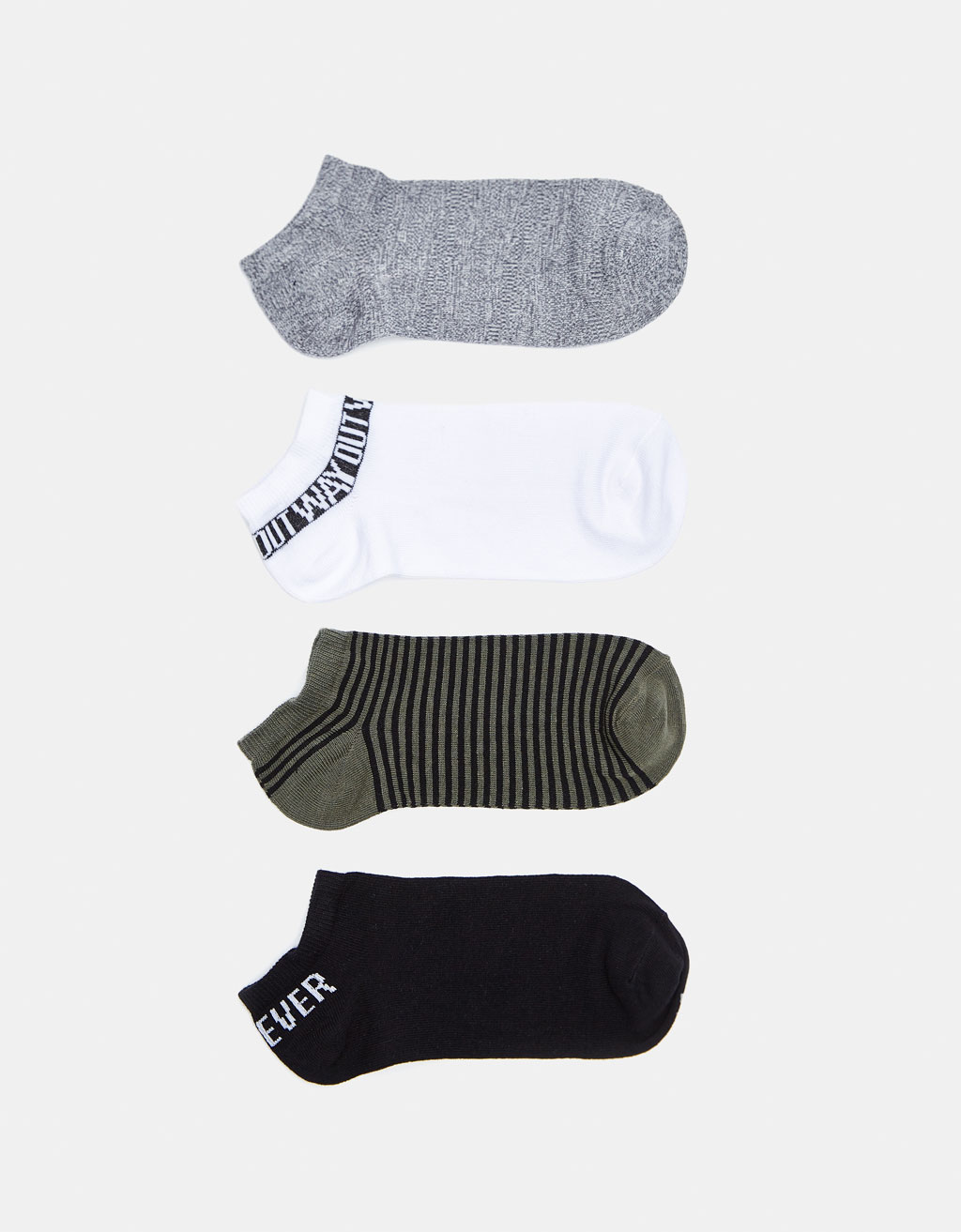 Pack ankle socks.