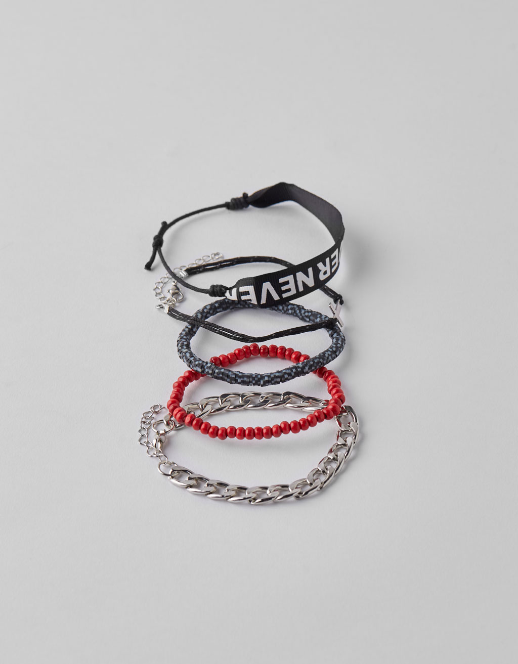 Set of 5 contrast bracelets