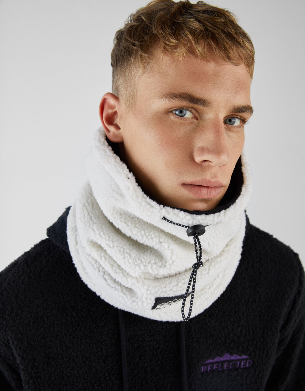 Snood polar reversible