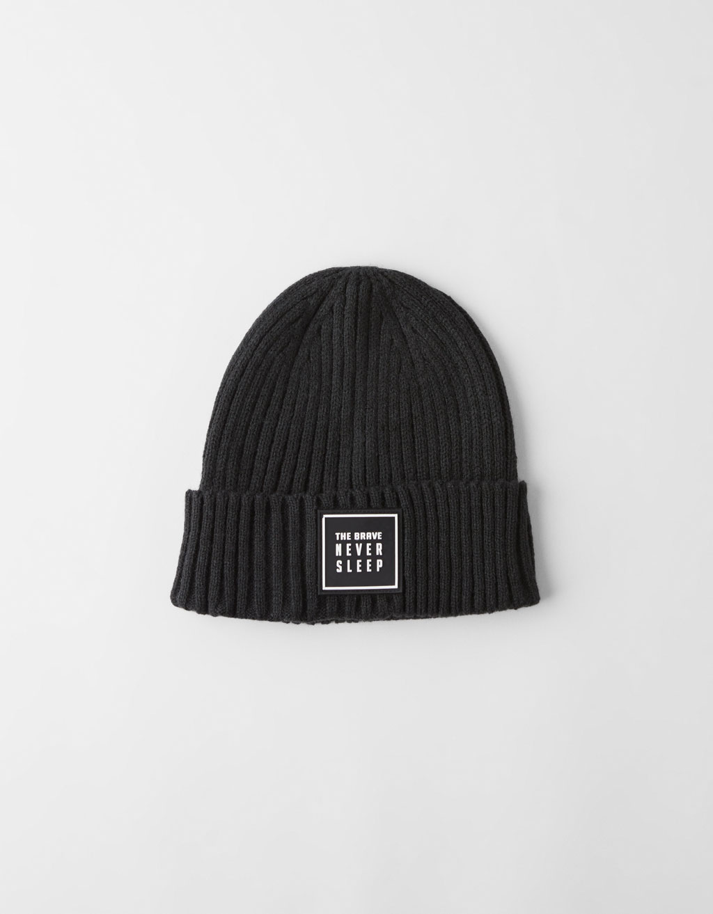Ribbed beanie with patch